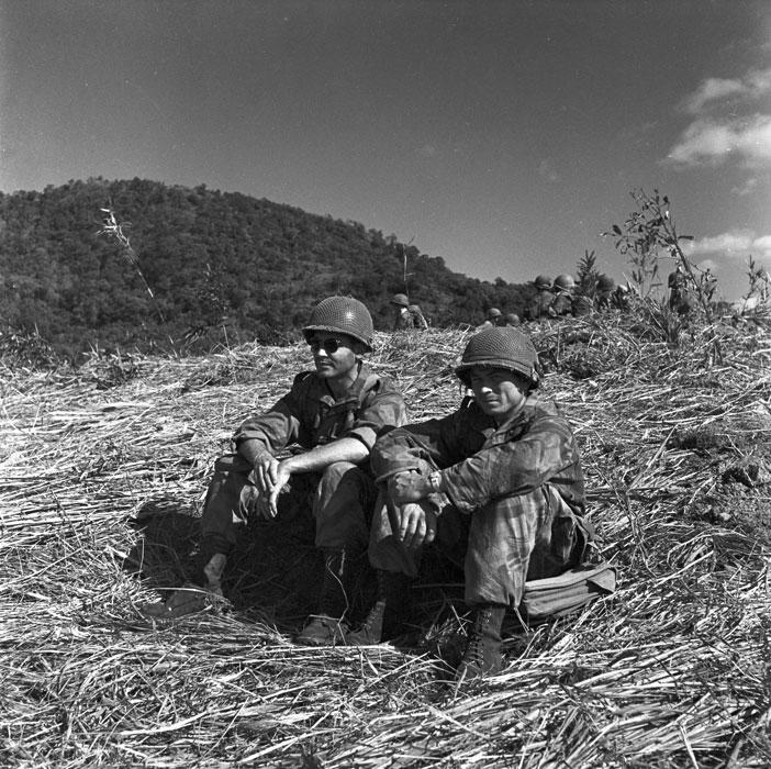 Операция Полукс Лейт и адж на тропе Пави дек 1953 Перо.jpg