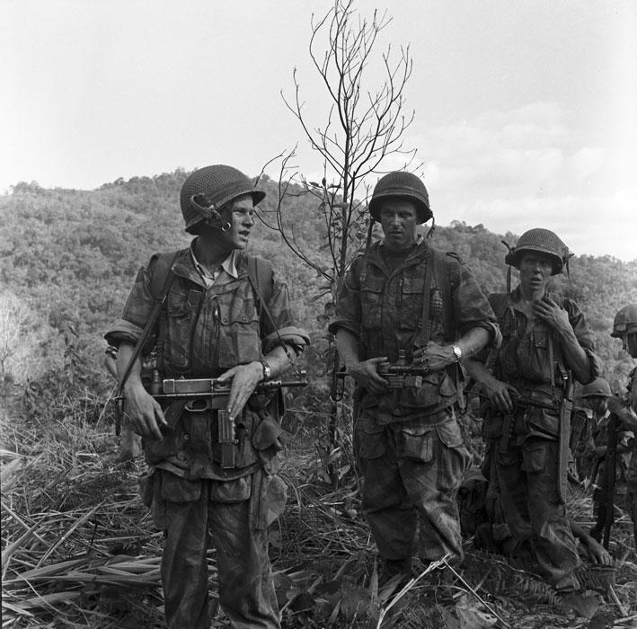 Операция Полукс Солдаты 1 беп дек 1953 Перо.jpg