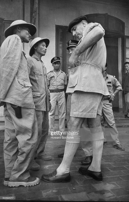 префект пол Жюль Арно и его вьет коллеги окт 1954.jpg