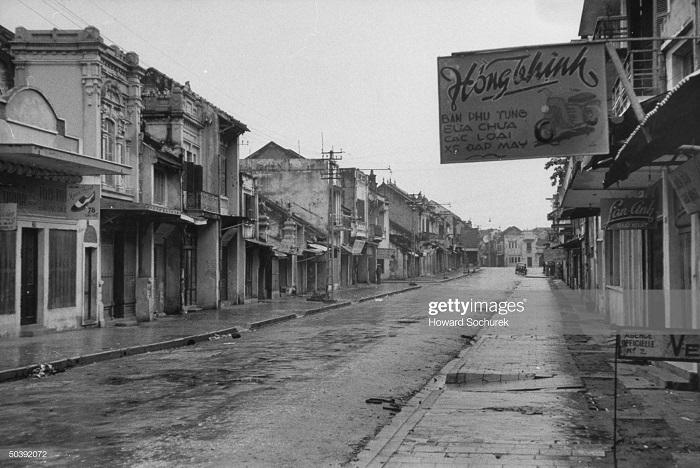 Пустые улицы после ухода фр.jpg