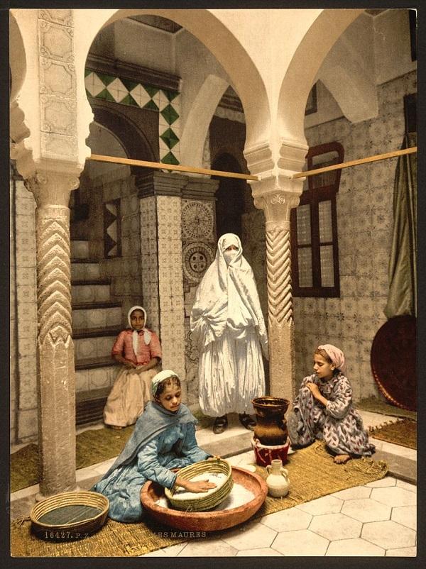 Алжир женщ готовят кускус.jpg