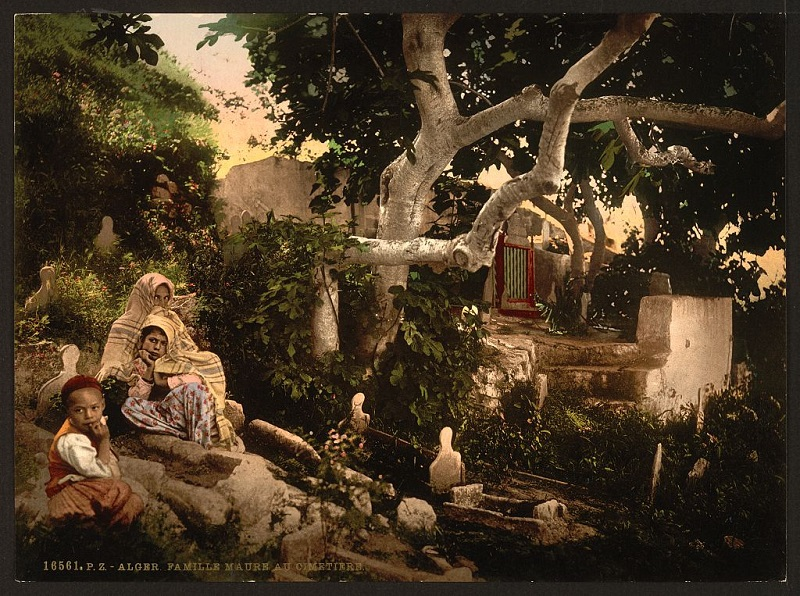 Алжир мавр семья на кладбище.jpg