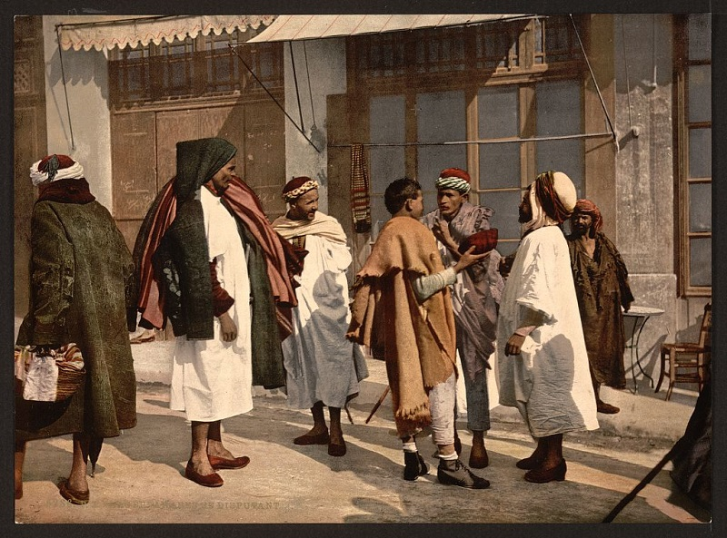 Алжир спорящ арабы.jpg
