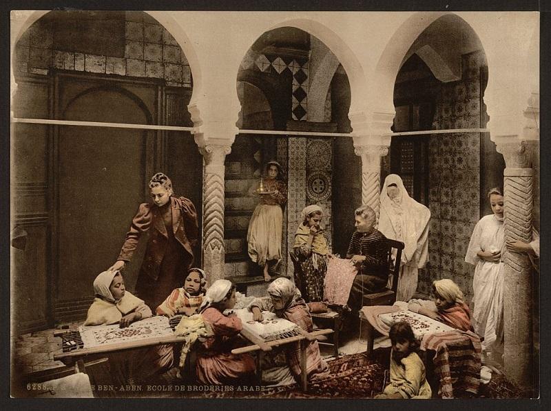Алжир школа вышивания.jpg