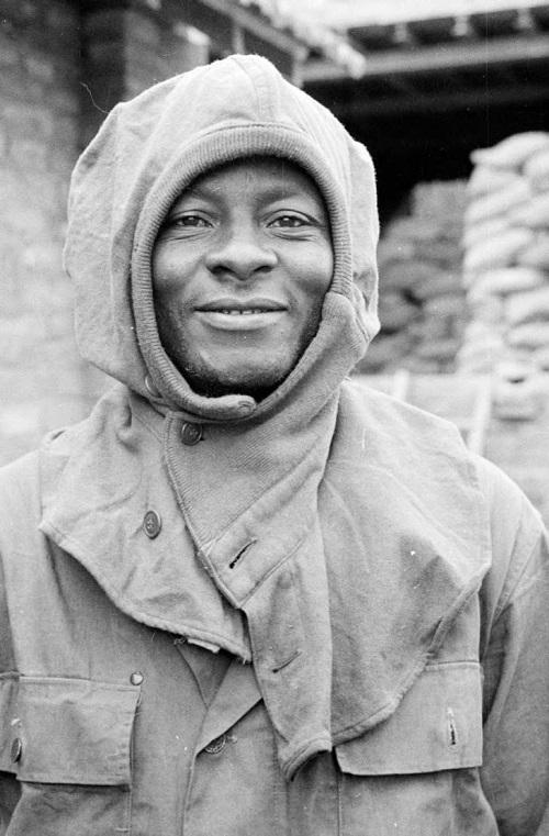 солдат с капюшоном.jpg