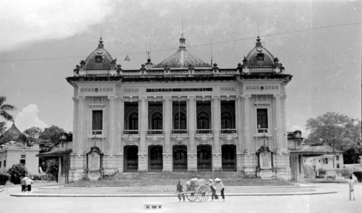 оперный театр.jpg