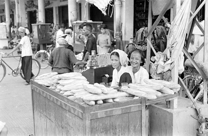 продавцы хлеба.jpg