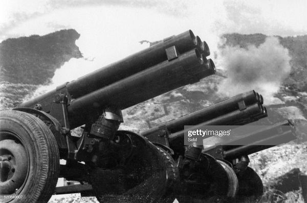 орудия ВМ 122 6 мая 1954.jpg