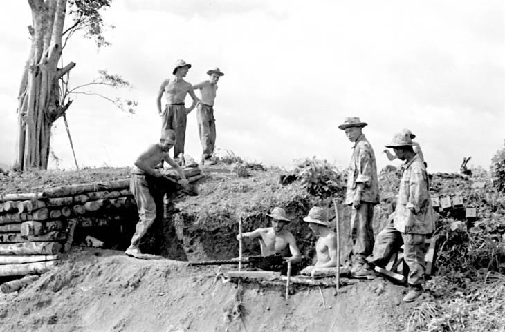 солдаты роят траншеи 1953.jpg