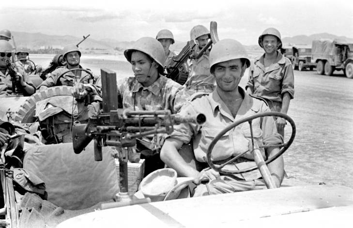 солдаты в джипе 1953 2.jpg