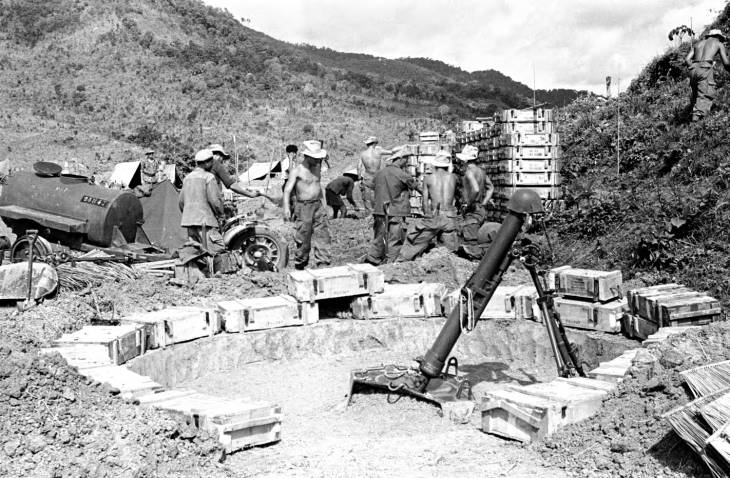 солдаты ящики минометы 1953.jpg