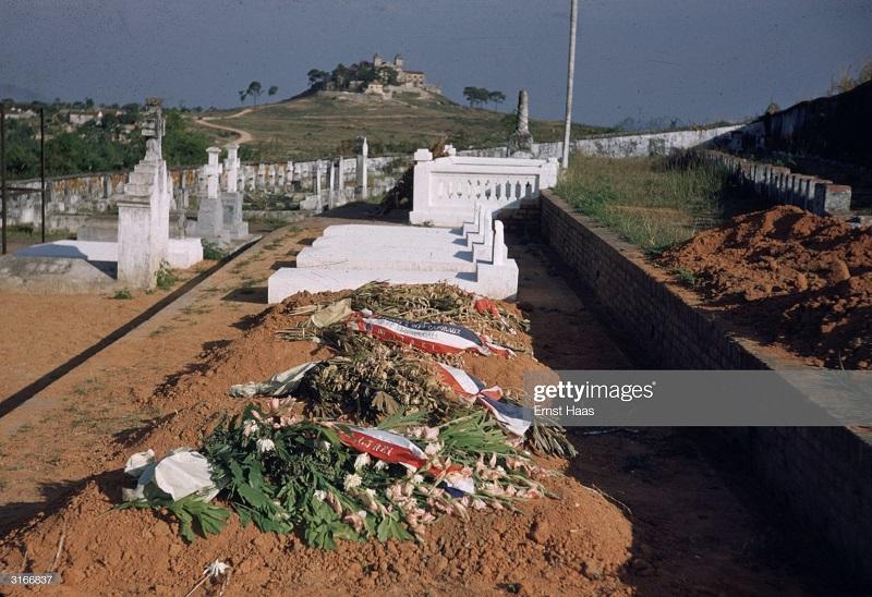военное кладбище 1956 Эрнст Хаас.jpg