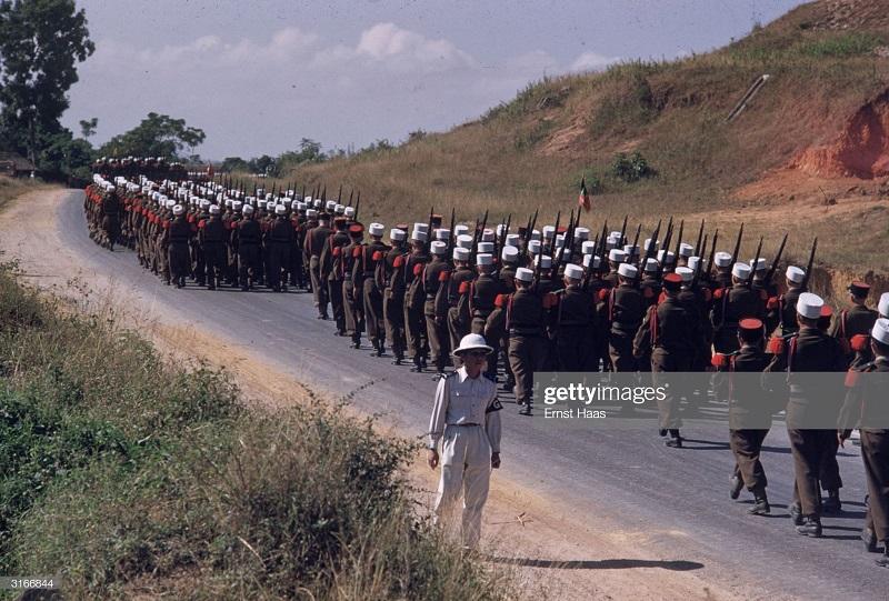 Легионеры в Индокитае 1956 Эрнст Хаас 3.jpg