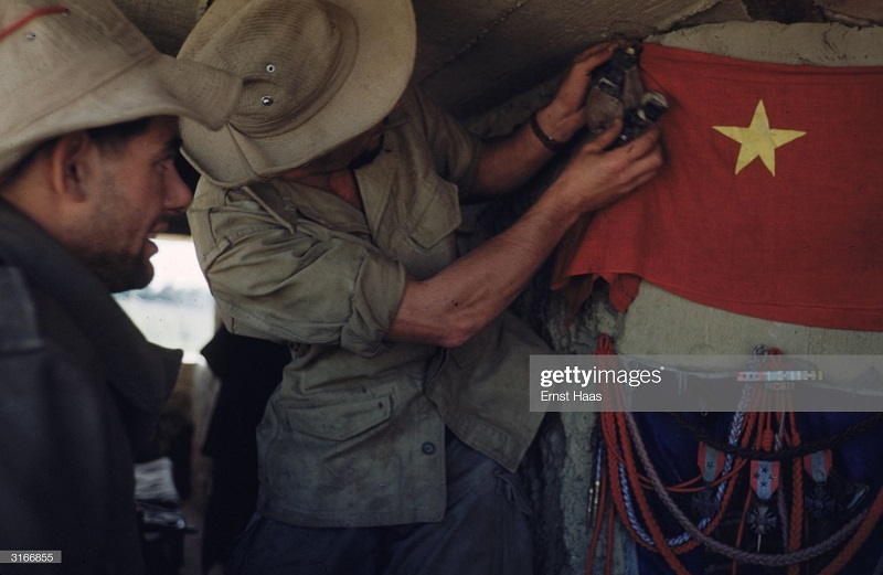 Легионеры в Индокитае 1956 Эрнст Хаас 5.jpg