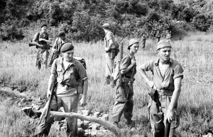 Спецназ флота в Халонге 1950.jpg