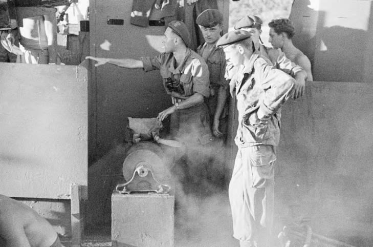 спецназ флота на борту в Халонге 1950.jpg