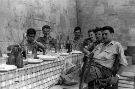 Прием пищи лето 1960.jpg