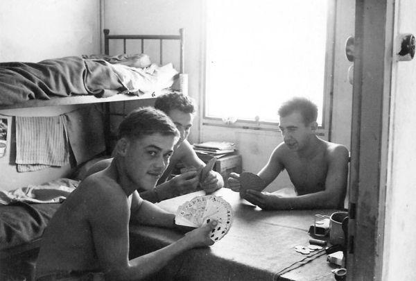 В бараке июнь 1960.jpg