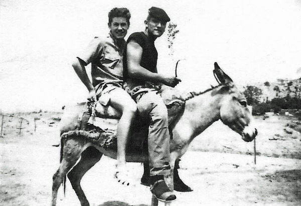 На прогулке июль 1961.jpg