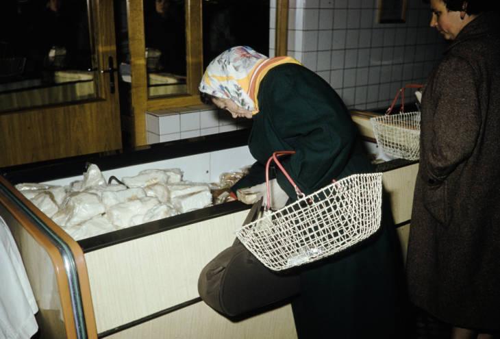 Москва в магазине мясо сало.jpg