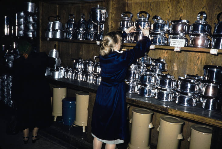 Москва в магазине посуды.jpg