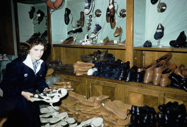 Москва в обувном магазине.jpg