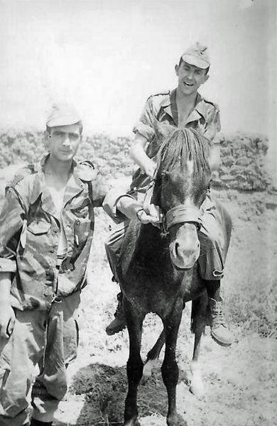 Сержанты Гранадос и Поло июнь 1960.jpg