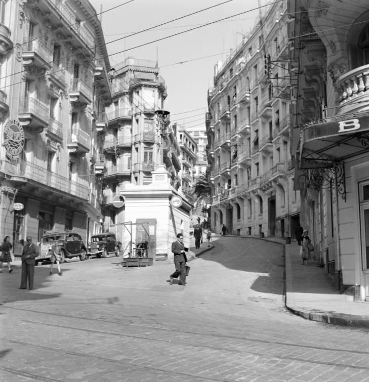 Алжир горо 1947 Роберт Ларимор Пендлетон.jpg
