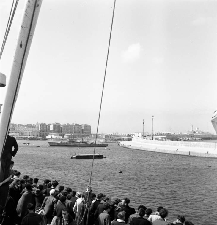 Алжир город май  1947 Роберт Ларимор Пендлетон.jpg