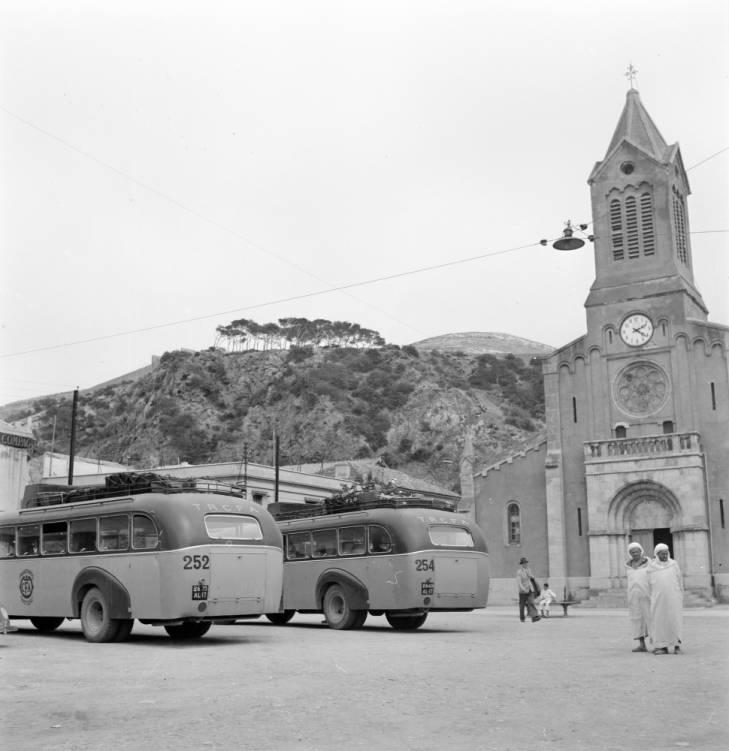 Немур гор площадь 1947 Р Л Пендлетон.jpg