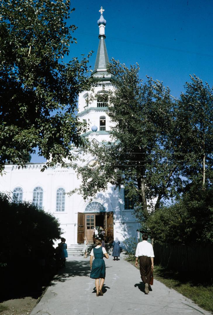 Иркутск крестовоздв церковь.jpg