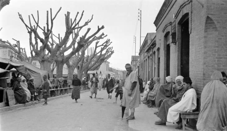 пешеходы на улицах Эль Булаиды2.jpg