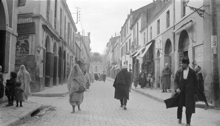 пешеходы на улицах Эль Булаиды3.jpg