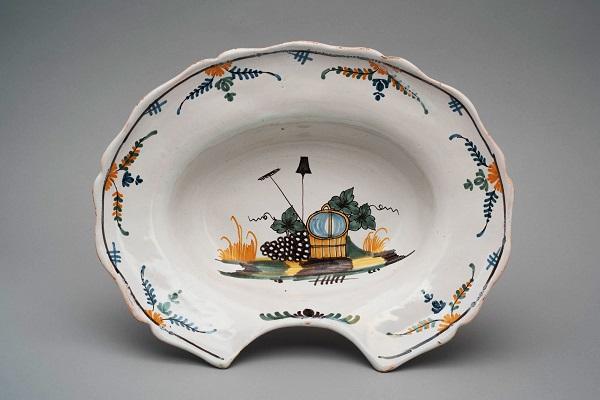 Тазик для бритья 1790е Собр Удрас.jpg