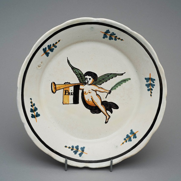Тарелка с ангелом 1790-е Собр Удрас.jpg