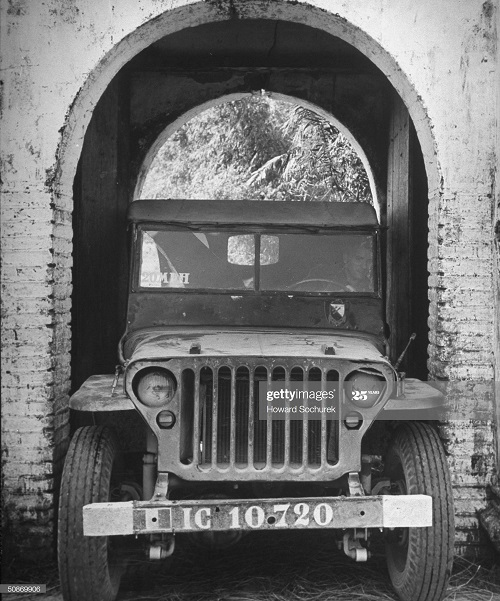 Джип дек 1950 говард Сохурек.jpg