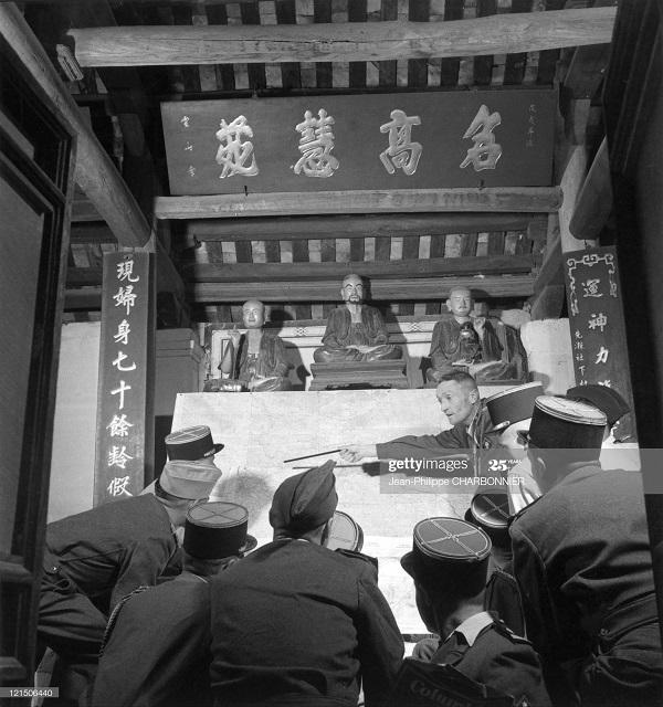 Подготовка в операции в пагоде 1954 Ж-Ф Шарбоннье2.jpg