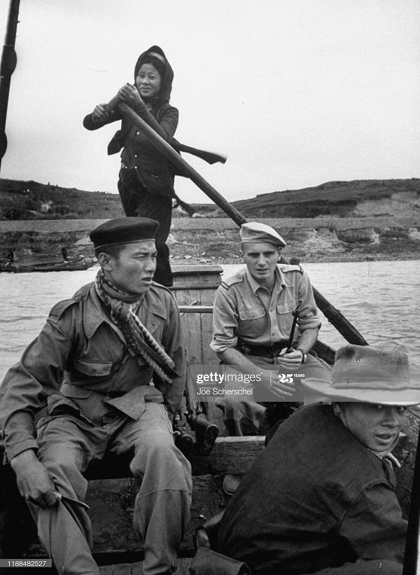 Солдаты и пост 1954 Джозеф Шершель 4.jpg