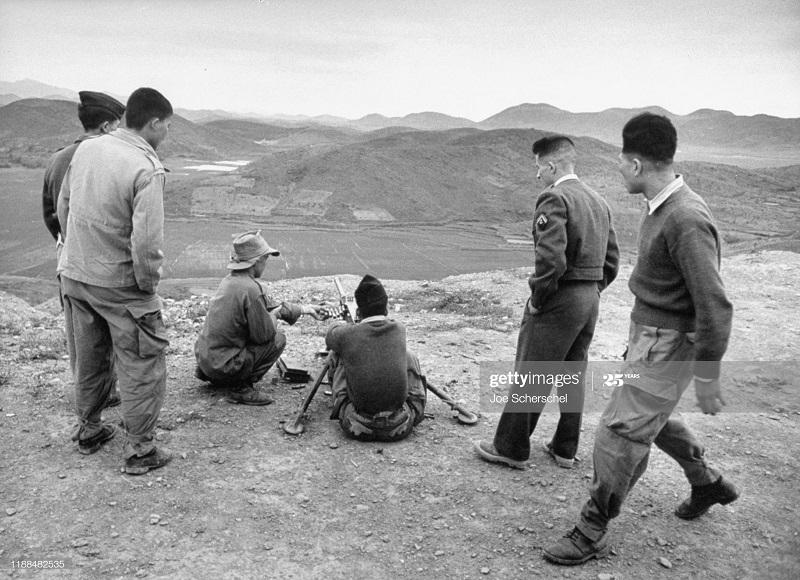 Солдаты и пост 1954 Джозеф Шершель 11.jpg