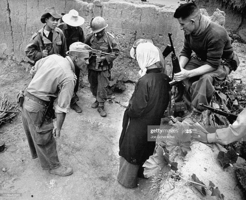 Солдаты и пост 1954 Джозеф Шершель 13.jpg