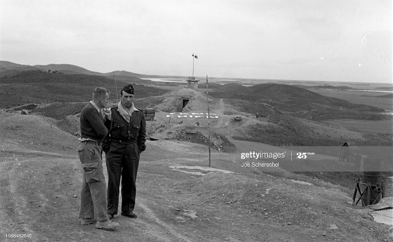 Солдаты и пост 1954 Джозеф Шершель 18.jpg