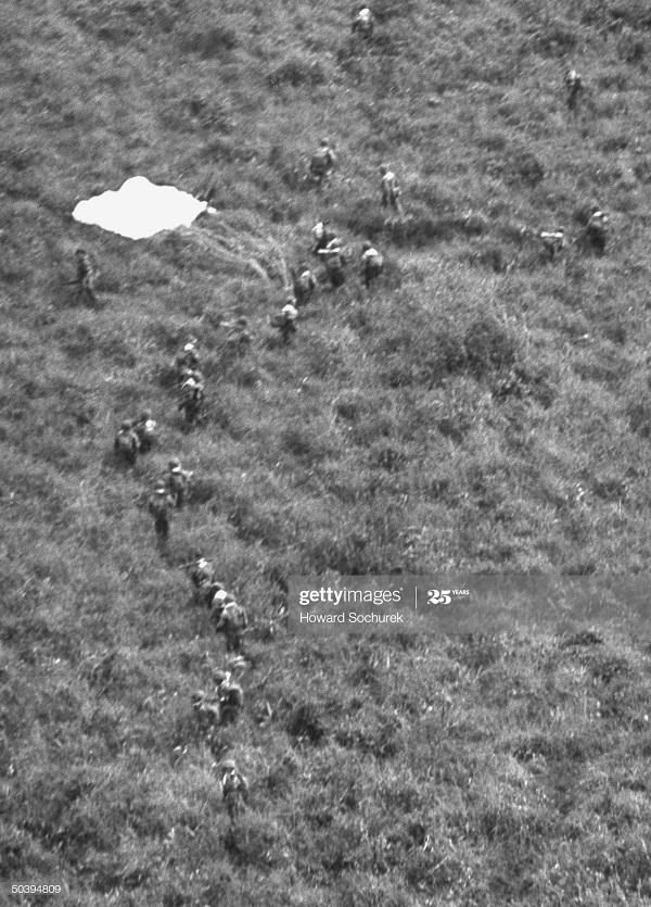 Парашютисты нояб 1953 Говард Сохурек3.jpg