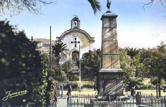 Тизи узо церковь памятник.jpg