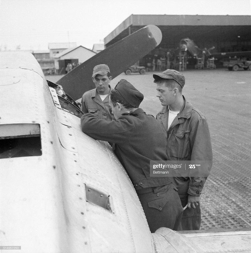 Американцы 18 июня 1954.jpg