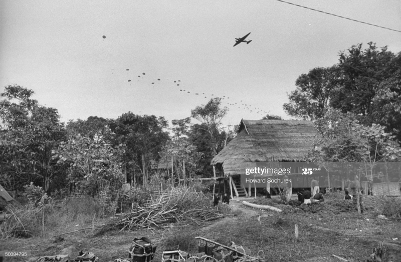 Самолет парашют окт 1953 говард Сохурек.jpg