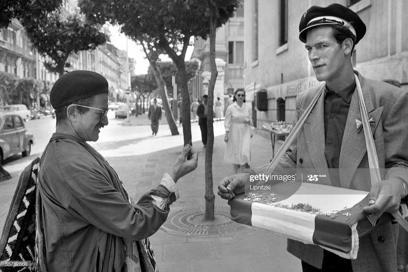 Продавец май 1958 Роже Вьолле.jpg