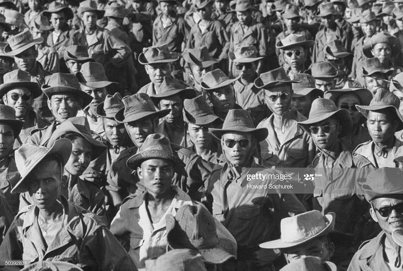 Армия Вьетнама 1954 Говард сохурек.jpg