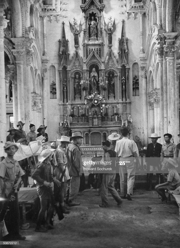 Вьетн милиция окт 1953 Говард Сохурек.jpg