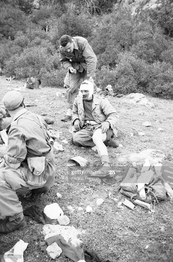 Алж марок граница раненый апр 1956 Ф Паж.jpg
