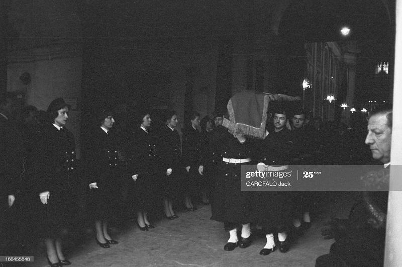 Париж дом инв похороны Жаклин Домерг 17 янв 1958 Дж Гарофало.jpg